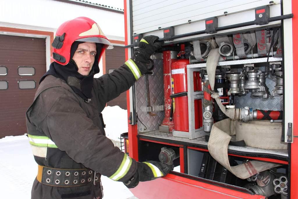 #112_лиц_в_спасении. №109 – Синицкий Александр - командир отделения пожарной аварийно-спасательной части №1 Ельского района
