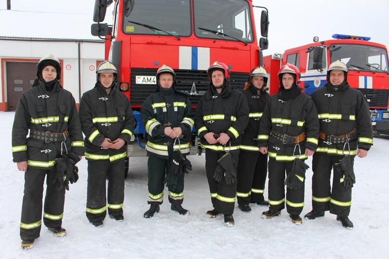 Дружная команда спасателей.JPG